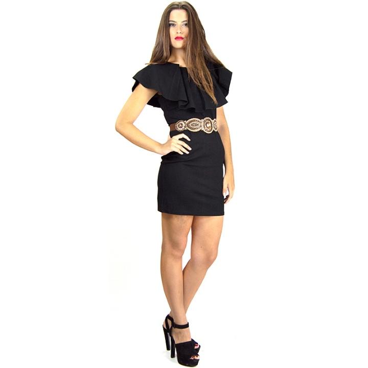 Reportaje modelo vestido negro de fiesta