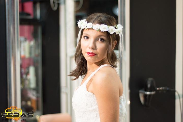 Tocado de novia con flores blancas Bel Bel Desings Totana