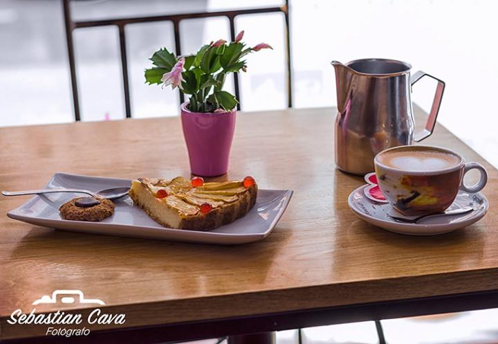Tarta, galletas, cafe en la despensa de Tani todo artesanal y casero