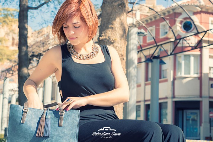 Bolso de moda con modelo en Alhama de Murcia