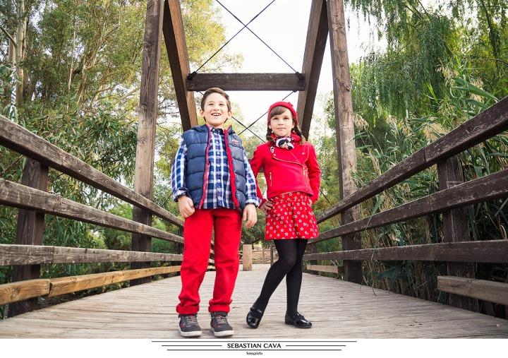 Fotografia niños posando en puente contrapartida Javali viejo Murcia