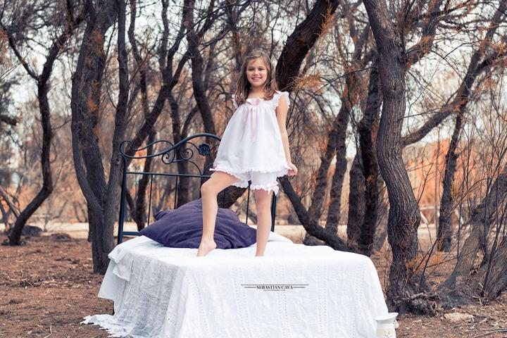 Fotografia en contraparada de Murcia con pijamas de Kriss Moda Intima de Alcantarilla, Murcia